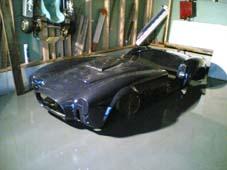 Karosseri laget av Glassfiber.